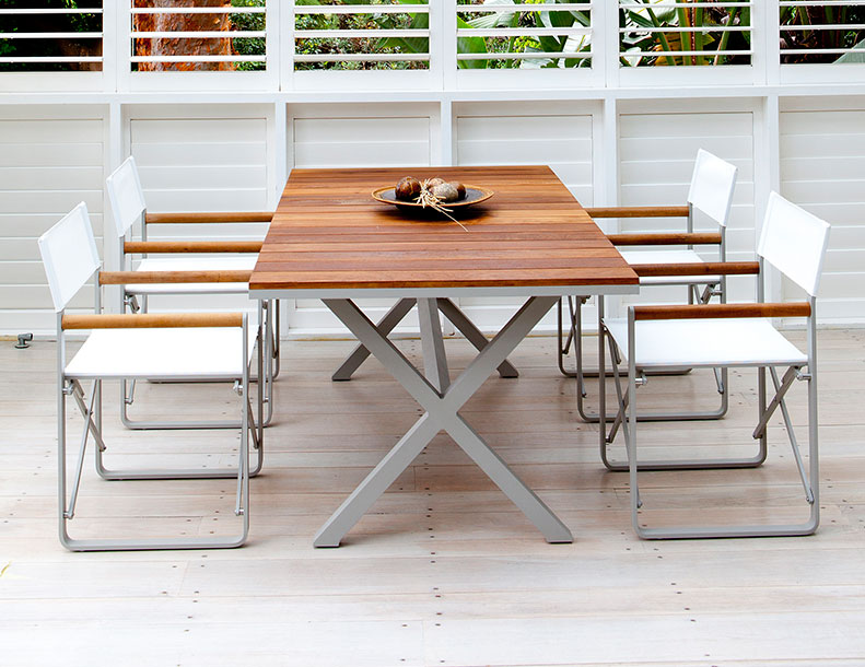 Harbour Outdoor - LCA Chairs & Coast Table