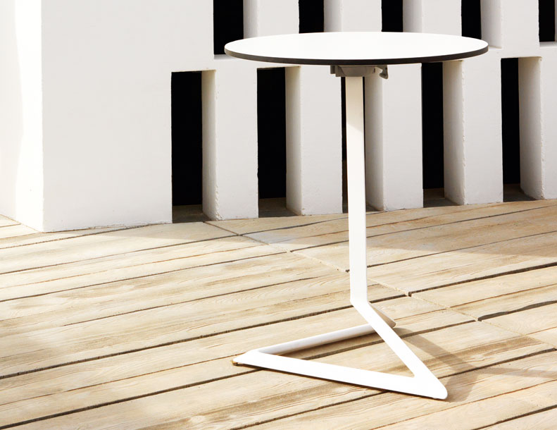 Vondom - Delta Table
