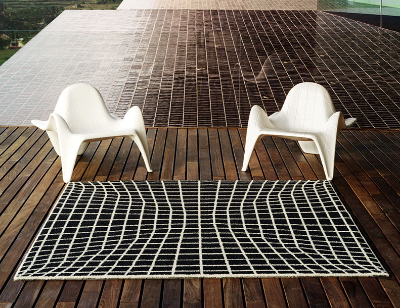 Vondom - F3 Chairs & F3 Rug