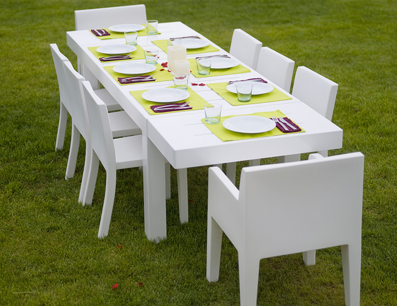 Vondom - Jut Chairs & Mesa Table