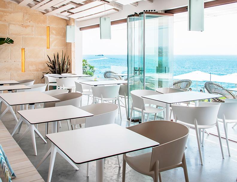 Vondom - Mari-sol Tables & Africa Chairs