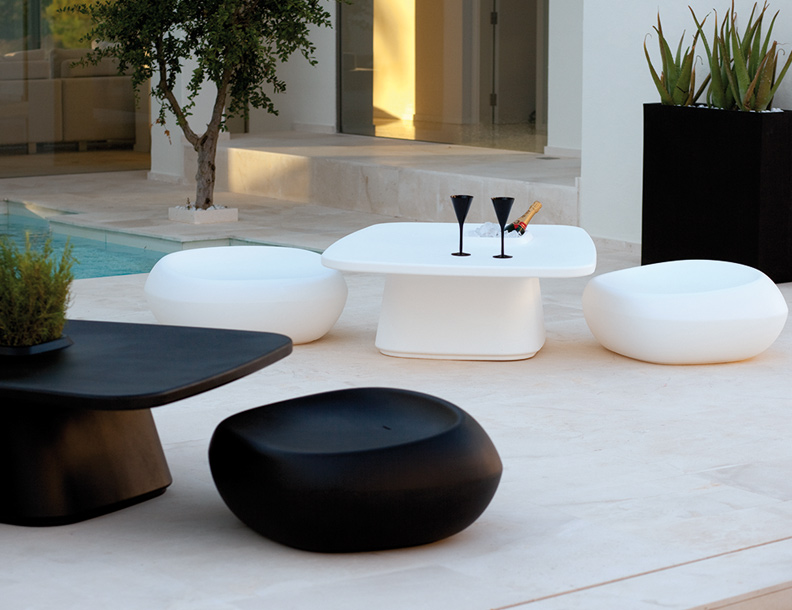 Vondom - Moma Tables & Chairs