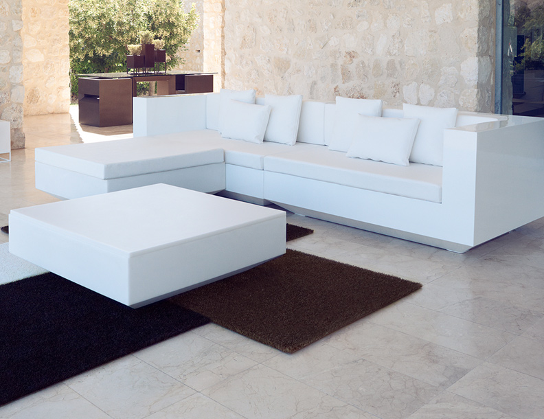 Vondom - Vela Sectional, Table, Planter