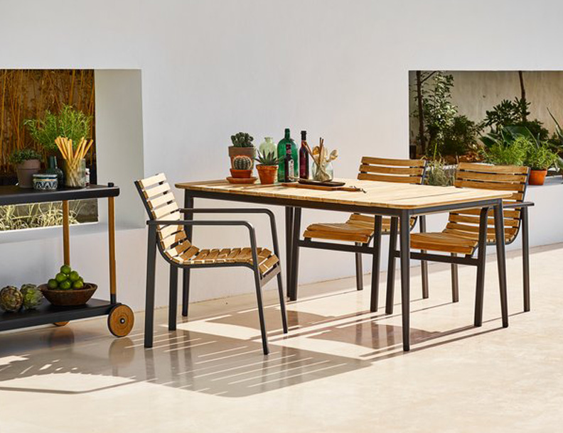 Cane-line - Core Table & Parc Stacking Chairs