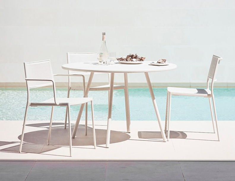 Cane-line - Less Chairs & Area Table