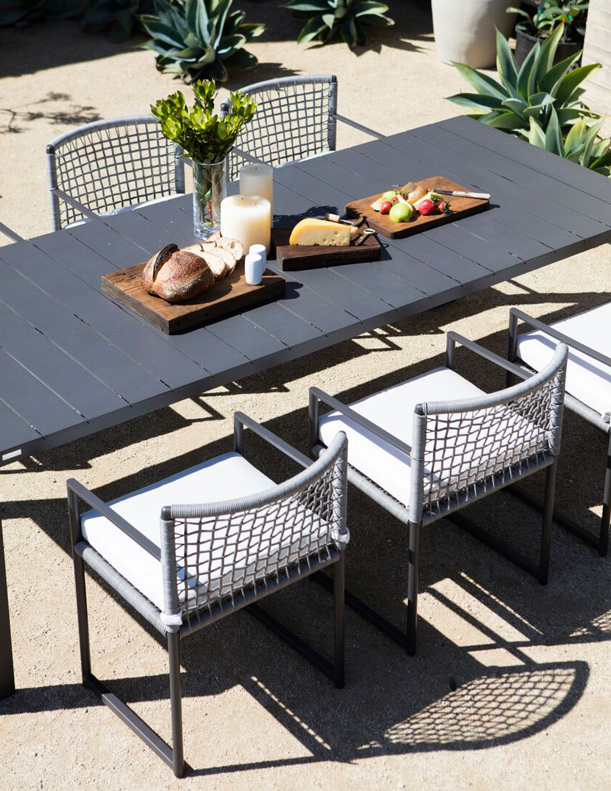 Harbour Outdoor - Hayman-Table & Loop Chairs