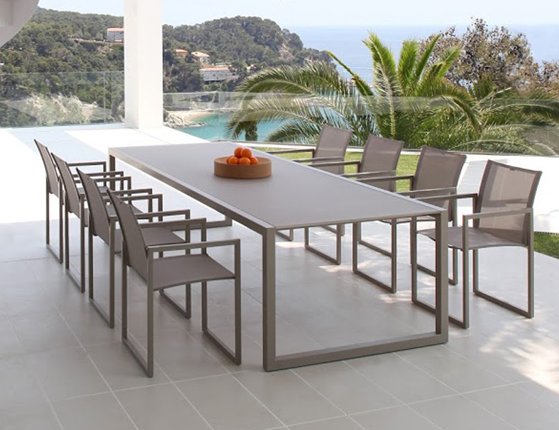 Royal Botania - Ninix Table & Chairs