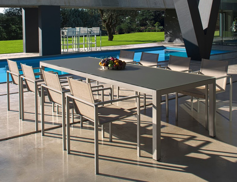 Royal Botania - Taboela Table & Alura Chairs