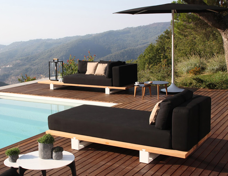 Royal Botania - Vigor Chaise & Sofa, Palma Umbrella & Tea Time Tables