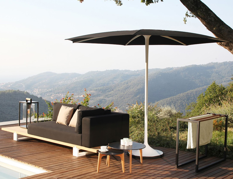 Royal Botania - Vigor Sofa, Palma Umbrella & Tea Time Tables