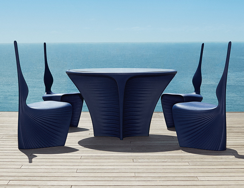 Vondom - Biophilia Table & Chairs