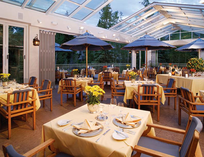 Giati - Paradiso Dining & Umbrellas